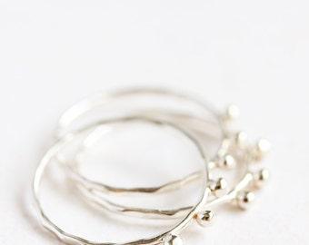 Fine en argent sterling empilage anneaux, bio, eco friendly, woodland, texture mince bande d'argent, bijoux minimal, bague, anneau de pile