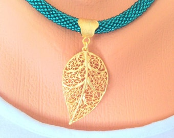 Green Bead Crochet Filigree Leaf Necklace  Bead Croched Necklace  Leaf Necklace  Gold Necklace.  Green Necklace.