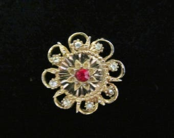 Art Dec'o Brooch - elegant, gold-tone with ruby-red faux center stone. 8 faceted Rhinestones in a sunburst design. Lovely Mothers' Day Gift!