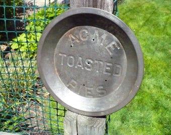 Acme Toasted Pie Tin