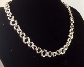 Mobius ring necklace - Chainmaille necklace