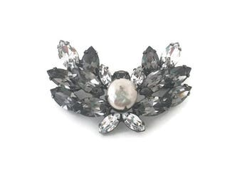 Vinage Regency Brooch Pin Charcoal and Clear Rhinestones Prong Set 1950s Fashion