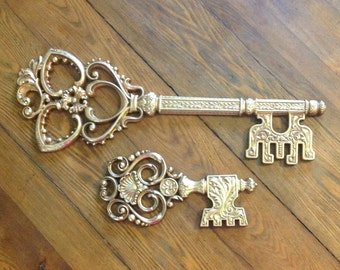 Pair huge ornate Syroco Wood skeleton key large wall hangings plaques art Mid century Hollywood glam regency steampunk home decor
