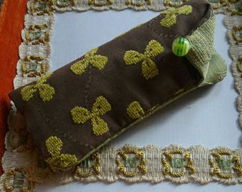 Eyeglass case in Brown and green cotton
