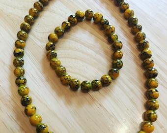 Mustard swirl bead necklace and bracelet set