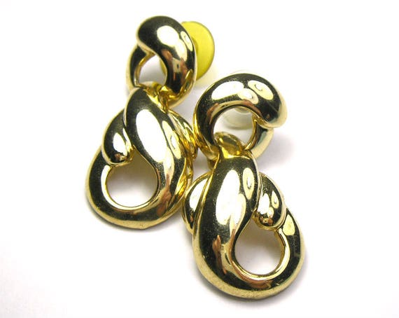 Vintage 1980s Gold Tone Earring