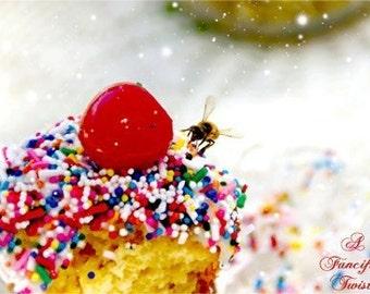 Cupcake and the Bee - 5 postcard set