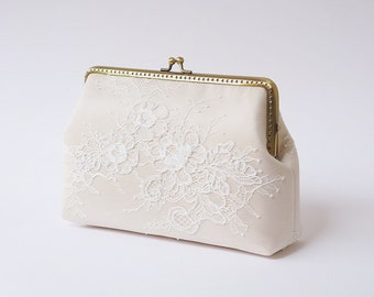 Champagne silk Ivory Lace Clutch / Wedding Party / Gift ideas / Formal Party / Bridal clutch / Bridesmaid Gifts