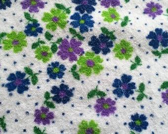 Vintage Bath Towel, Cotton Terry Cloth, 1970s Seventies Retro Bath Linens Fabric, White with blue, purple, green flowers