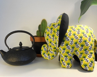 Elephant decorative pineapple in yellow and black Collection