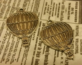 2 silver tone Metal Hot Air Balloon Charms / balloons / steampunk / Jewelry Supply / altered art / mixed media supplies / assemblage