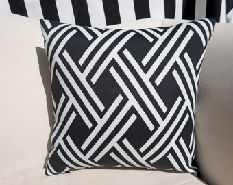 """Black and White Geometic Indoor/Outdoor 16""""x16"""" Pillow Cover"""