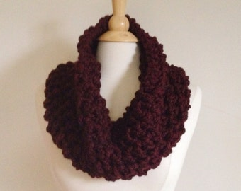 Burgundy crochet scarf, marsala crochet cowl, chunky cowl scarf, maroon scarf, crochet wool scarf, marsala scarf, crochet wool cowl