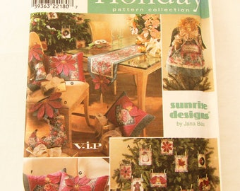 Simplicity Holiday Pattern Collection #8402, Ornaments, Treeskirt, Tree Topper, Stocking, Table Runner, and Pillows