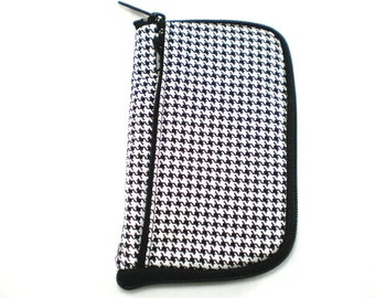 iPod Case, iPhone Cell Phone Case, Smartphone Phone, Black and White Houndstooth