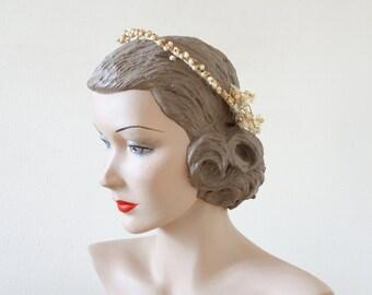 Déco box bridal set | wax flowers and favoris bridal tiara | cubesvintage