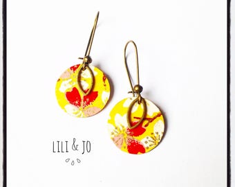 Japanese collection: inspiration earrings Japanese white and pink cherry blossoms on yellow background