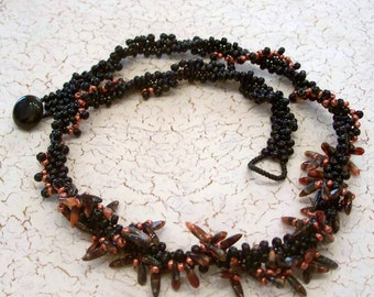 Black and Orange Beadwoven Peyote Stitch Necklace by Carol Wilson of Je t'adorn