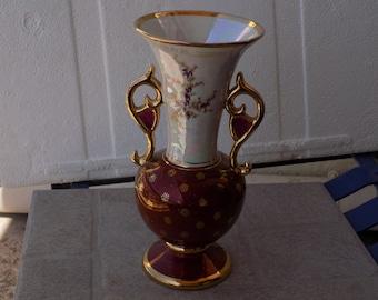 Vintage Porcelaine Vase floral decoratrion cinnamon red with golden finishes