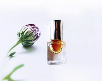 """Natural Vanilla Perfume oil with Moonlight Flowers """" Moth and Butterfly"""" Vanilla Dust, Lunar Fantasy Perfume, Ylang, Creamy Sandalwood 3 ml"""
