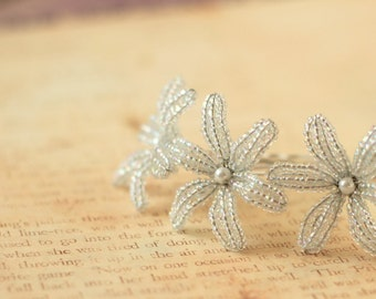 Snow Drop - U-Pins or Bobby Pins - French Beaded Flower