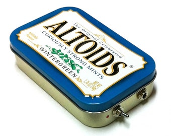 Portable Altoids Amp and Speaker for iPhone MP3 Player -Altoids Blue/Red phone speaker