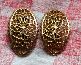 Vintage Gold Toned Shoe Clips