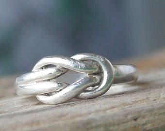 Vintage Sterling silver Scottish Celtic love Knot Style Ring
