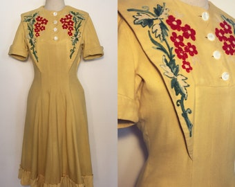 Vintage 40s Yellow Dress with Embroideries