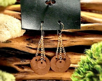 Brown leather double circle earrings.