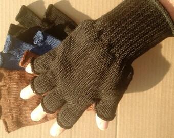 90% wool fingerless gloves