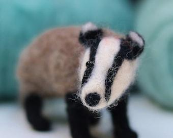 Badger needle felting kit Beginners felting kit Animal felt kit Felt crafts