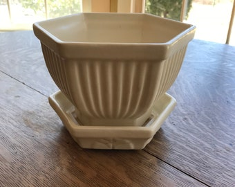 Vintage Haeger Pottery Planter. Hexagon Shape with lovely detail and built in watering trough.  Off White