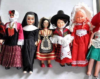 European Collectible Dolls, International Dress Dolls, Dolls of the world, Vintage National Costume Dolls, Irish, Scottish, Welsh, Italian