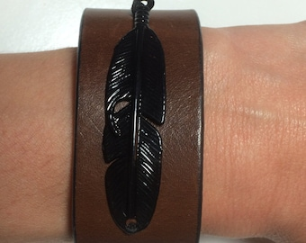 Black Metal Feather Embellished Brown Leather Cuff, Feather Cuff, Black Feather, Black and Brown Cuff, Black and Brown Leather Cuff, Rustic