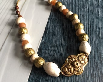Chunky ethnic necklace, chunky beaded necklace, Earthy chunky necklace, big white beaded necklace