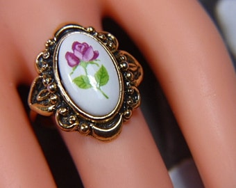 Vintage Victorian Hand Painted Floral Ring -- Size 6.5 - R-291