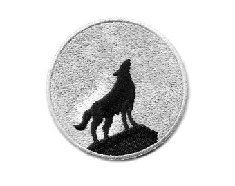 Wolf - Full Moon - Howling Wolf - Embroidered Iron On Patch - Right