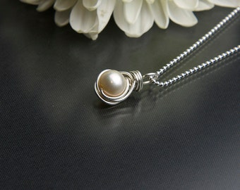 June Birthstone Necklace, Creamy Freshwater Pearl Necklace- Sterling Silver - Pearl Pendant Necklace - Wedding Jewelry, Dainty Necklace
