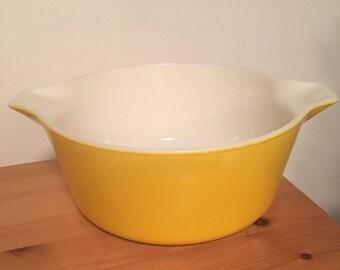 Vintage Pyrex Casserole Yellow Tab Handle Casserole 2 1/2 Quart 475-B No Lid