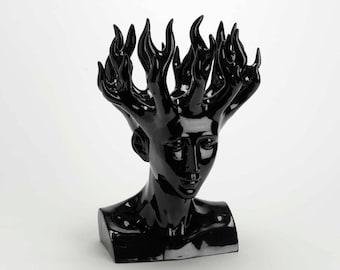 """Feminine head """" Goddess Dumbfounds """" on base, model white, height 18,5 inches"""