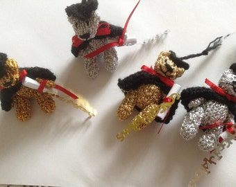 Tiny 5cm graduation bears in gold or silver thread
