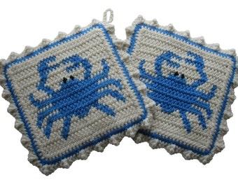 Blue Crab Pot Holders. Beach decor, crochet potholders with blue crabs. Crab trivet. Blue crab gift. Housewarming gift