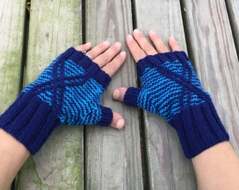 Argiope Fingerless Mitts knitting pattern PDF download