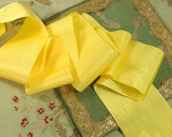 """2 yards rayon moire vintage ribbon trim 1940 sunny yellow daffodil 3.25""""  wide millinery hat trim flapper cloche"""