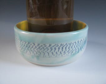 Ceramic Pottery, Wine Bottle Coaster, Turquoise Blue, Chattered