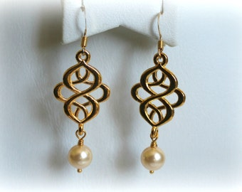 Swarovski Gold Earring, Bridal Earring, Bridesmaid Earring, Wedding Jewelry, Bridesmaid Gift, White Gold Dangle Earring, Bridal Accessories