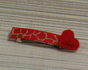 Barrette with a fancy Ribbon skin giraffe Ribbon and a red felt heart