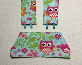 Drool bib and strap covers for front facing baby wearing for Beco, Boba, Ergo, Lillebaby in aqua chevron owls