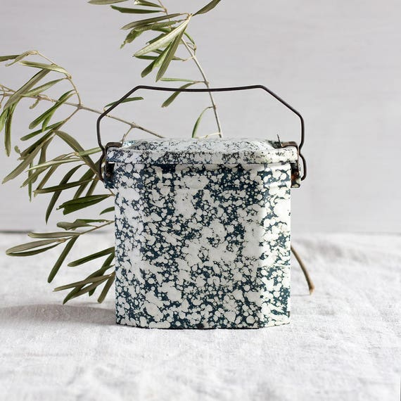 CLEARANCE - French Vintage Green Splatterware Lunch Tin